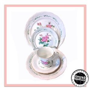🏠 5 PC Place Setting Gibson Victorian Rose China